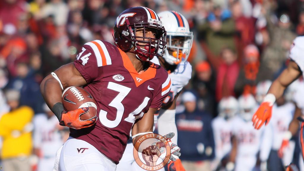 Travon McMillian runs towards the endzone for another Virginia Tech score. (Mark Umansky/TheKeyPlay.com)