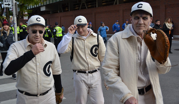Joe Tinker, Johnny Evers and Frank Chance come back from the beyond to take in Game 5.