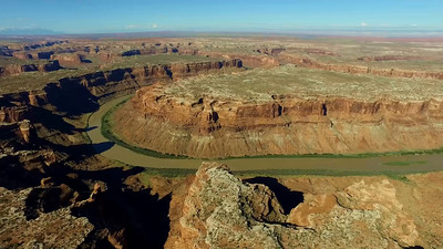 2-Looking down upon Bow Knot Loop of the Green River
