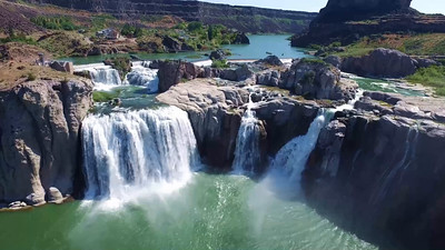 2-Portrait of the Shoshone Falls