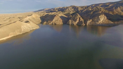 2-Soaring above Shoshoni-Boysen Reservoir_
