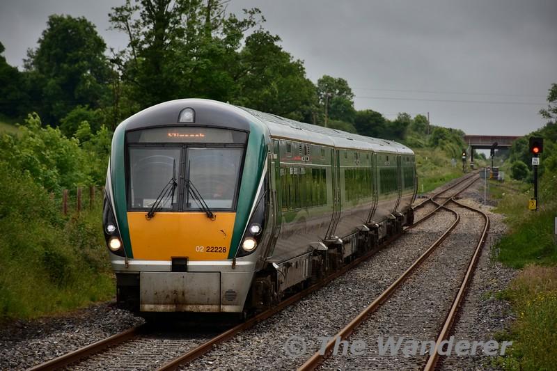 22028 arrives into Dromod with the 1600 Connolly - Sligo. Sun 19.06.16