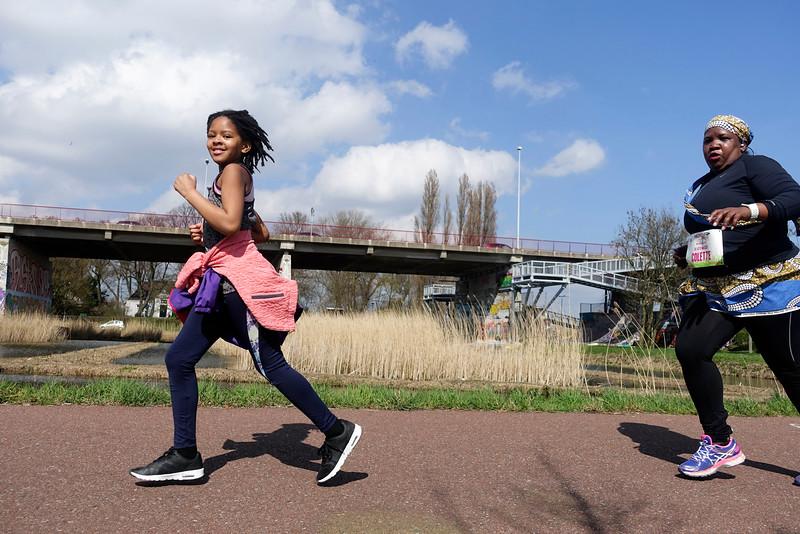 Amsterdam, 3 april 2016, hardloopdag voor vrouwen met een rokje aan, foto: Katrien Mulder