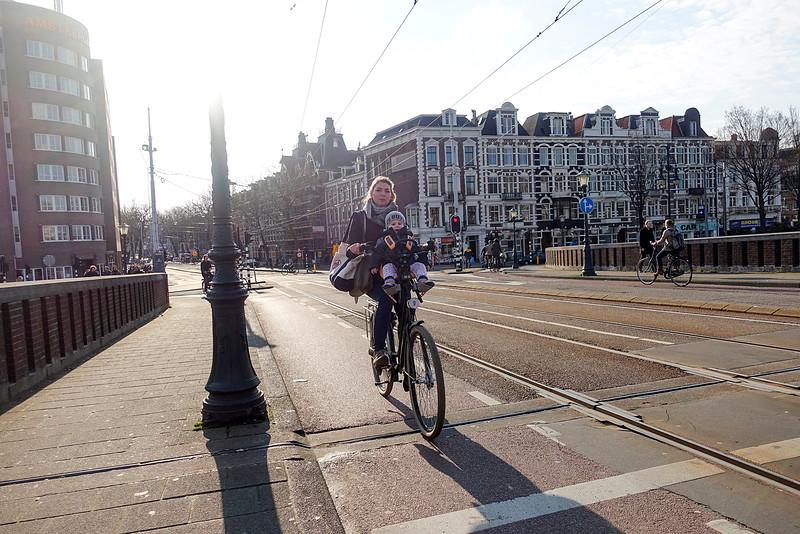 Amsterdam, nieuwe amstelbrug, 4 april 2016, foto: Katrien Mulder