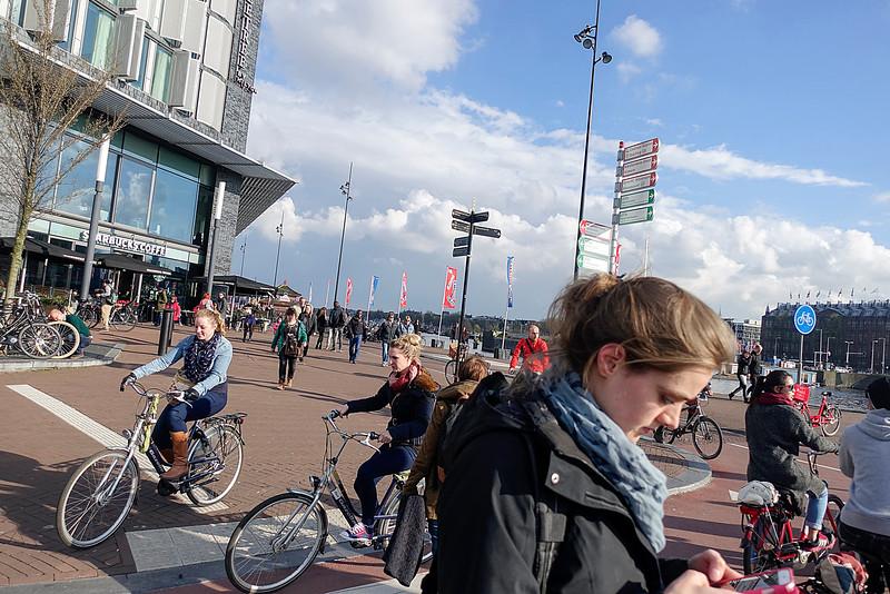 Amsterdam, Oosterdokskade, 8 april 2016, foto: Katrien mulder