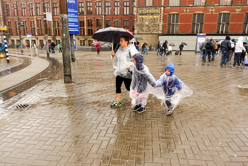 Nederland, Amsterdam, stationsplein, 20 juni 2016, foto: Katrien Mulder