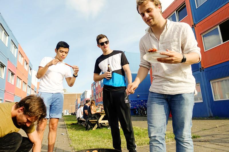 The Netherlands; Amsterdam, barbecue studenten  NDSM, 22 juni 2016, foto: Katrien Mulder