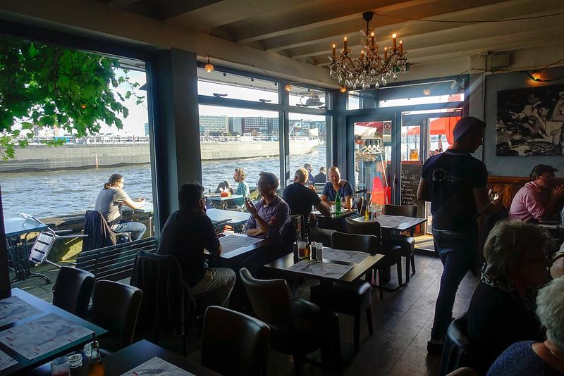 Nederland, Amsterdam, 13 juli 2016, Amsterdam Noord, omgeving IJplein, restaurant Pecorino, foto: Katrien Mulder