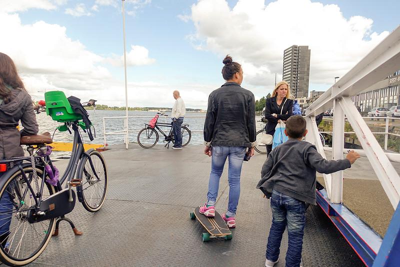 Nederland, Amsterdam, 10 augustus 2016, Opstappunt Oostveer; KNSM eiland;foto: Katrien Mulder