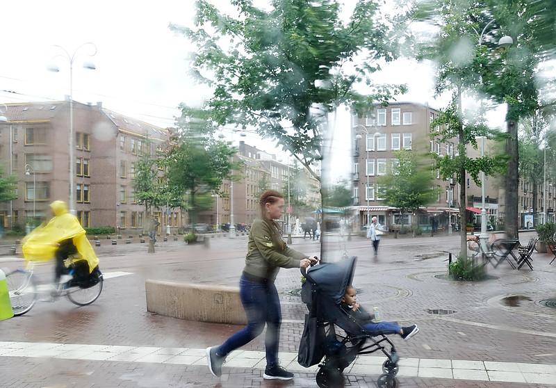 Nederland, Amsterdam, Javaplein, Amsterdam oost, 11 augustus 2016, heel slecht weer, very bad weather, foto: Katrien Mulder