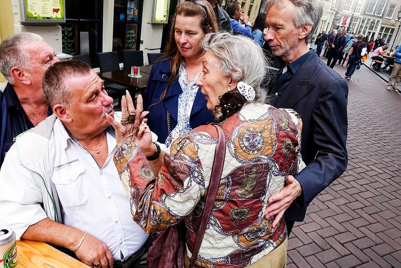 Nederland, Amsterdam, Zeedijk, 22 augustus 2016, hartjesdag, traditioneel feest waarbij mannen verkleed gaan als vrouwen en vrouwen verkleed gaan als mannen,  traditional festival in which men dressed as women and women dressed as men, foto: Katrien Mulder