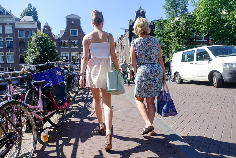Nederland, Amsterdam, winkelen in de negen straatjes, shopping in the nine streets, 24 augustus 2016, foto: Katrien Mulder