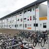 Nederland, Amsterdam, 20 september 2016, Riekerhaven, Amsterdam Nieuw West, hier wonen jonge vluchtelingen met een verblijfsvergunning samen met nederlandse  studenten en werkende jongeren. foto: Katrien  Mulder