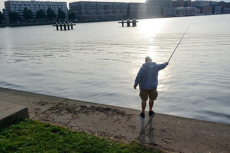 Nederland, Amsterdam,  vissende man Java-eiland,  foto: Katrien Mulder