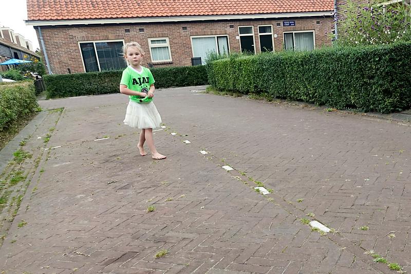 Nederland, Amsterdam, 25 september 2016, Vogeldorp, Amsterdam Noord. Vogeldorp zou gesloopt worden maar is gerenoveerd, de helft van de kleine huisjes zijn koopwoning geworden, foto: Katrien Mulder