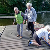 Nederland, Amsterdam,  De Amsterdamse Stichting Mindervaliden Roeien draai op vrijwilligers die in leeftijd varieren tussen de 65 en 84 jaar. Het lukt maar niet om jonge vrijwilligers  te vinden . 8 Vrijwilligers begeleiden wekelijks  tegen de 28  mensen met een beperking bij het roeien. The Amsterdam Rowing Disability Foundation is run by volunteers who vary in age between 65 and 84 years. It fails to find young volunteers. 8 Volunteers accompany every week around 28 disabled rowers. foto Katrien Mulder