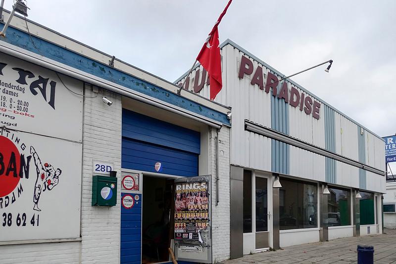 Nederland, Amsterdam, Amsterdam Noord, bedrijventerrein Schaafstraat, sportschool Saban en parenclub Paradise. 7 november 2016, foto: Katrien Mulder