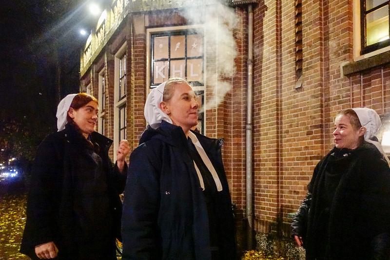 Nederland, Amsterdam, Oostelijk Havengebied, rokende Amis, 10 november 2016, foto: Katrien Mulder