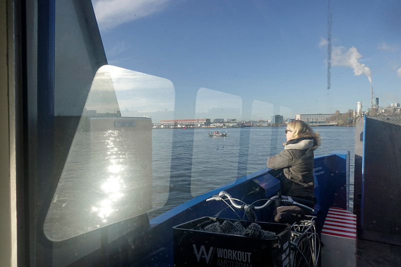 Nederland, Amsterdam, Oostveer, pontje van het Oostelijk Havengebied naar Amsterdam Boord, 26 november 2016, foto: Katrien Mulder