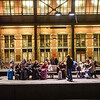 Nederland, Amsterdam. Centrum, wachten op vertraagde trein, 23 december 2016, foto: Katrien Mulder