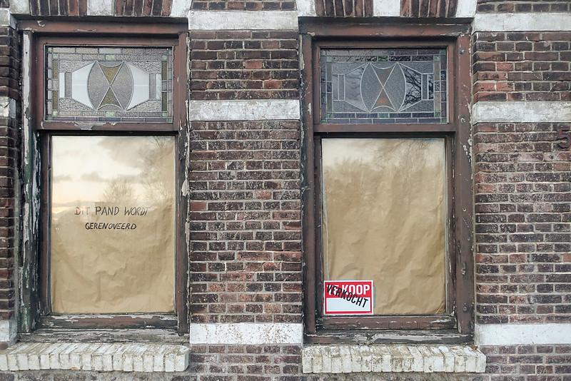 Nederland, Amsterdam, een vervallen huis aan de Nieuwendammerdijk, 26 december 2016, foto: Katrien Mulder