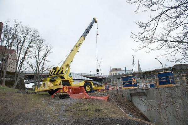 JOED VIERA/STAFF PHOTOGRAPHER- Lockport, NY-A crane sits by the locks