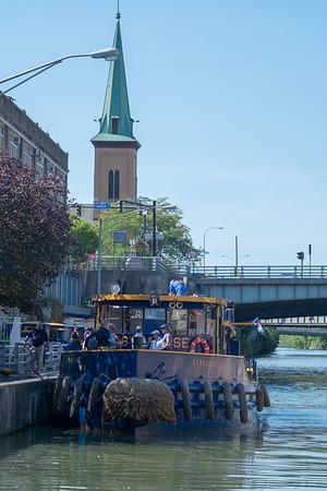 JOED VIERA/STAFF PHOTOGRAPHER-Lockport, NY-The Tug Syracuse pulls into Lockport.