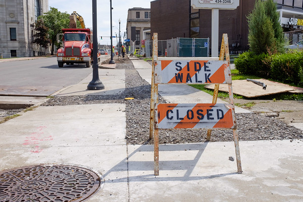JOED VIERA/STAFF PHOTOGRAPHER-Lockport, NY- Construction continues on Pine Street.