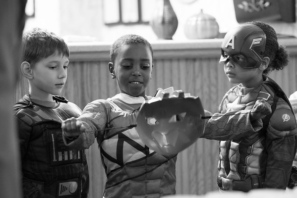 JOED VIERA/STAFF PHOTOGRAPHER-Lockport, NY-Trenton Dittly 6 and Maniah Gala 6 check out Matthias Foster's, 6, Halloween costume during their trip to Heritage Manor from Roy B. Kelly