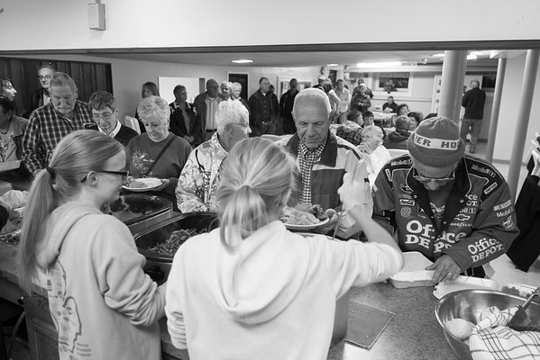 JOED VIERA/STAFF PHOTOGRAPHER-Middleport NY, NY-A crowd of hungry voters gather at Middleport Methodist Church to eat an Election night turkey dinner.
