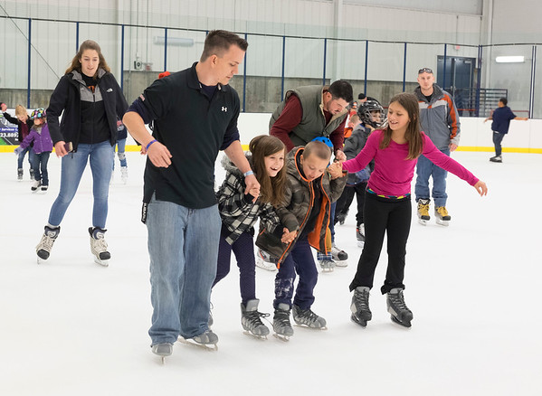 JOED VIERA/STAFF PHOTOGRAPHER-Lockport, NY-    Patrons enjoy open skate at Cornerstone Arena.