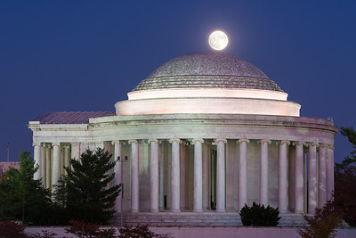 Supermoon Over the Jefferson Memorial