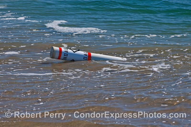 buoy on sand spit 2016 02-24 SB Harbor-001