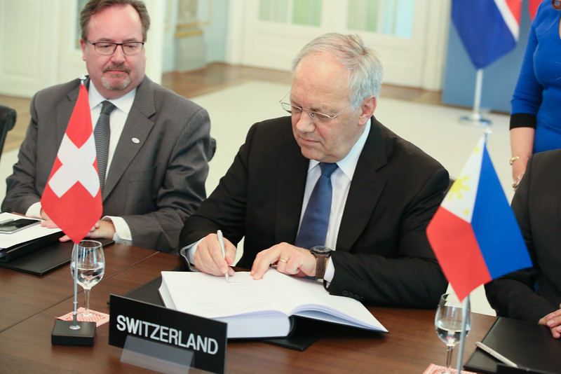 From left: Mr Martin Zbinden, Deputy Secretary-General, EFTA;  Mr Johann N. Schneider-Ammann, President of Switzerland and Head of the Federal Department of Economic Affairs, Education and Research of Switzerland
