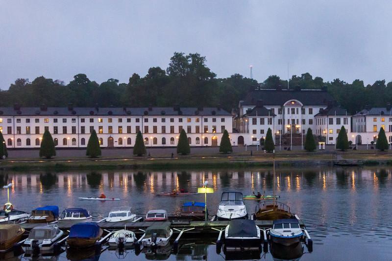 Förbi Karlbergs slott