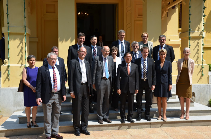 The EFTA Parliamentary Delegation meeting with the Vice Minister of Foreign Affairs, Mr Bui Thanh Son.