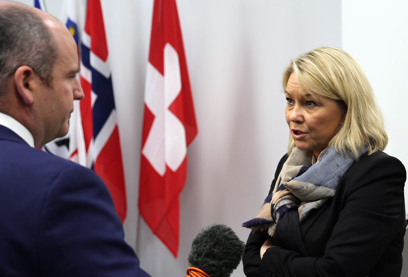 From left: Mr Glenn Campbell, BBC; Ms Monica Mæland, Minister of Trade and Industry, Norway.