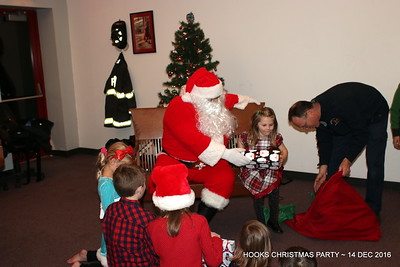20161214-mystic-hook-and-ladder-Christmas-party-024