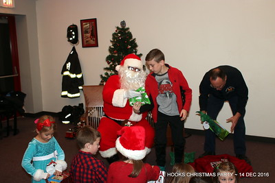 20161214-mystic-hook-and-ladder-Christmas-party-026