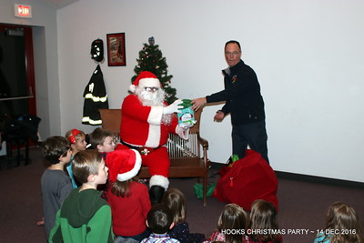 20161214-mystic-hook-and-ladder-Christmas-party-013