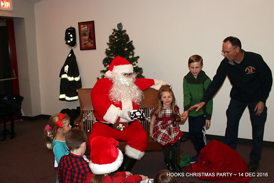 20161214-mystic-hook-and-ladder-Christmas-party-023