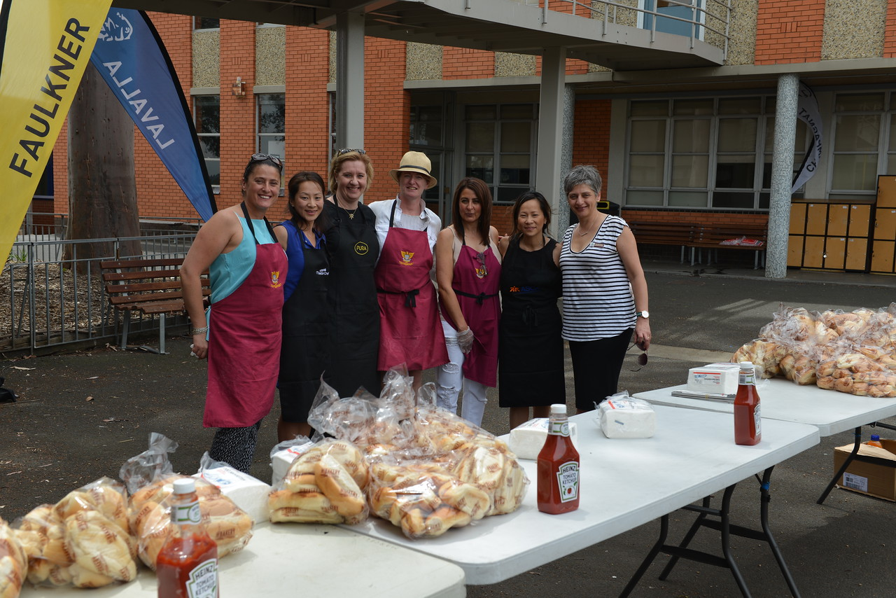 Year 7 2017 Transitions Day Sausage Sizzle