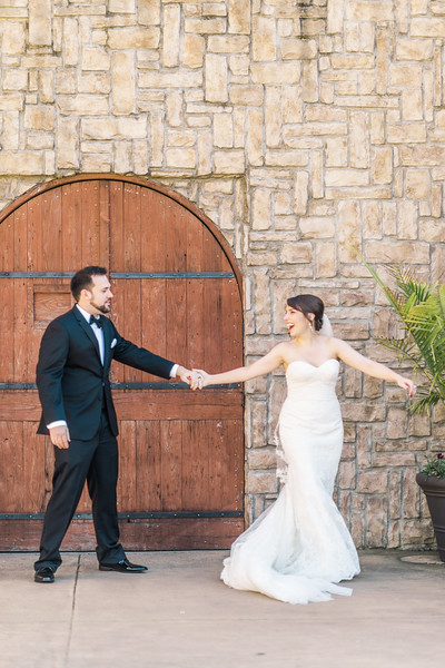 3-james-greta-potomac-point-winery-virginia-wedding-photographer-3