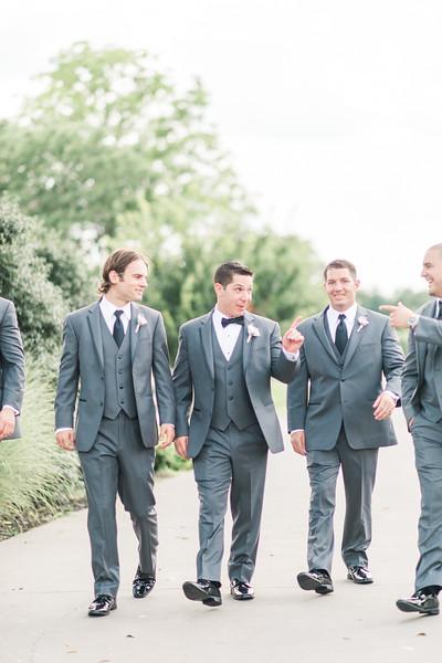 3-matt-lauren-morias-vineyards-bealeton-virginia-wedding-photographer-15