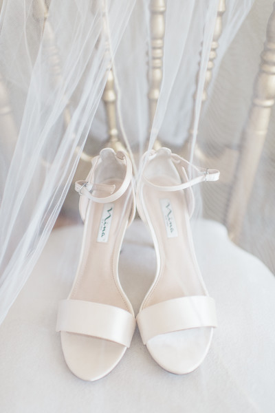 1-matt-lauren-morias-vineyards-bealeton-virginia-wedding-photographer-2