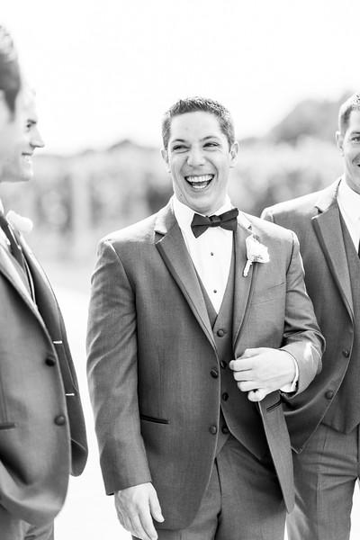 3-matt-lauren-morias-vineyards-bealeton-virginia-wedding-photographer-14