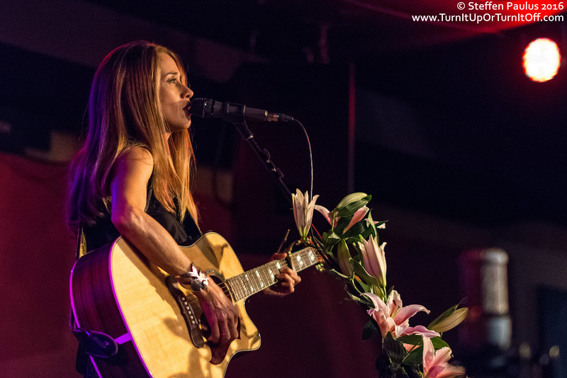 Heather Nova @ Hugh's Room, Toronto, ON, 10-Apr 2016