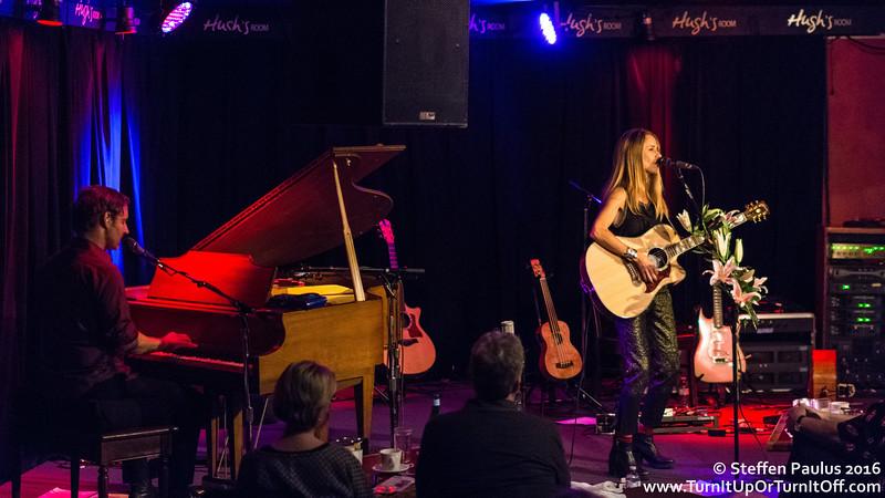 Heather Nova @ Hugh's Room, Toronto, ON, 10-Apr 2016