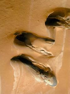 Sandstone cavity lining