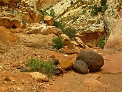 Flood washed valcanic boulders